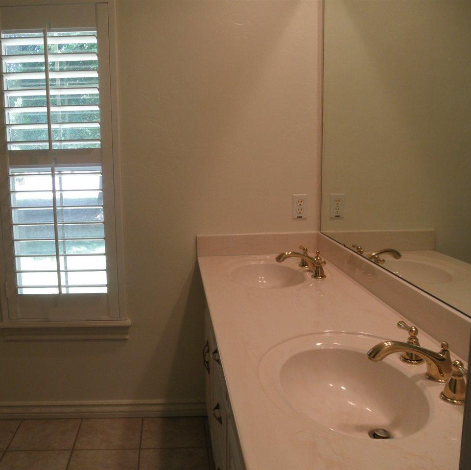 Sold Intraoffice W/MLS | 2601 Homestead North  Ponca City, OK  23
