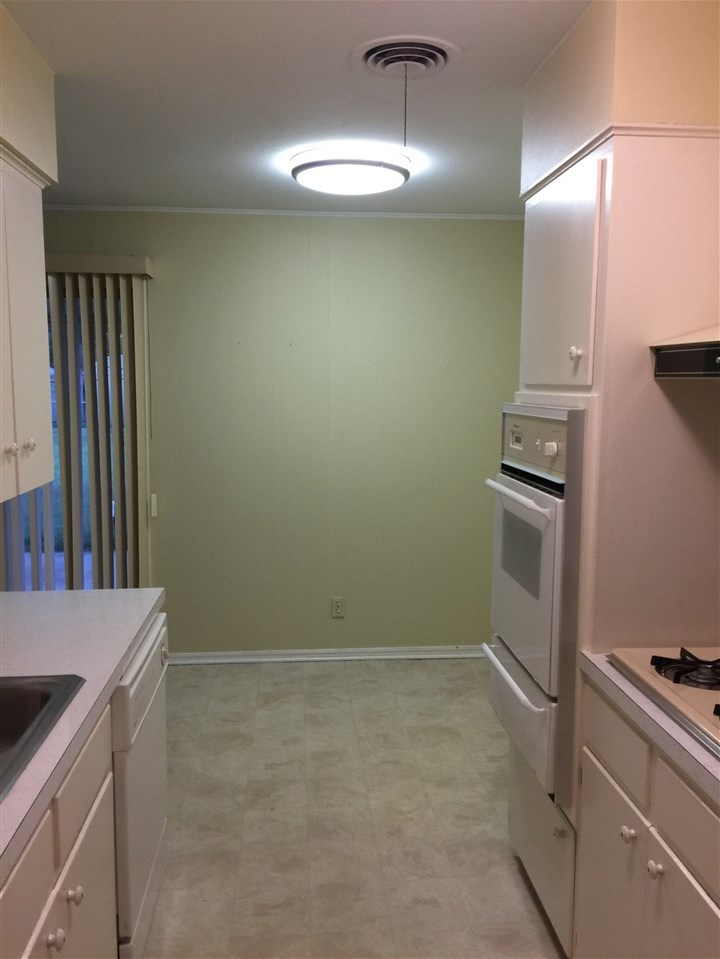 Sold Cross Sale W/ MLS   2812 E Hartford  Ponca City, OK 74604 5