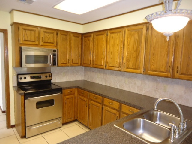 Sold Intraoffice W/MLS | 509 Greenbriar  Ponca City, OK 74601 7