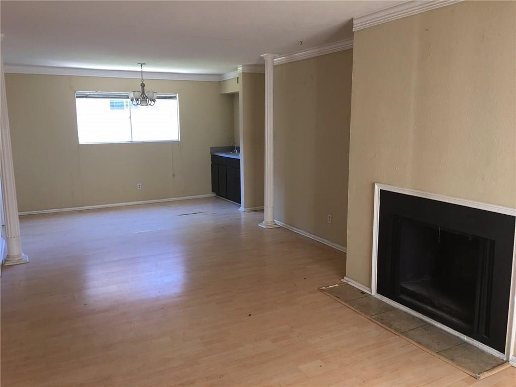 Sold Property | 4035 Holland Avenue Dallas, Texas 75219 3