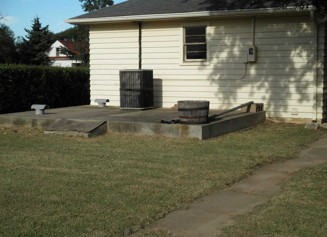 Sold Cross Sale W/ MLS | 1227 S Main  Blackwell, OK 74631 22