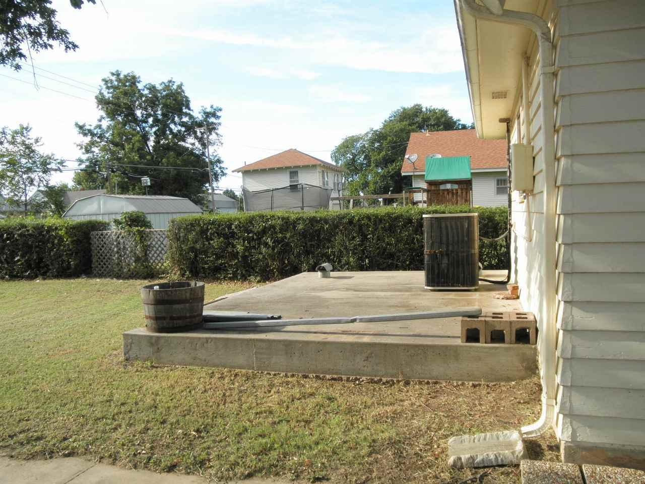 Sold Cross Sale W/ MLS | 1227 S Main  Blackwell, OK 74631 23