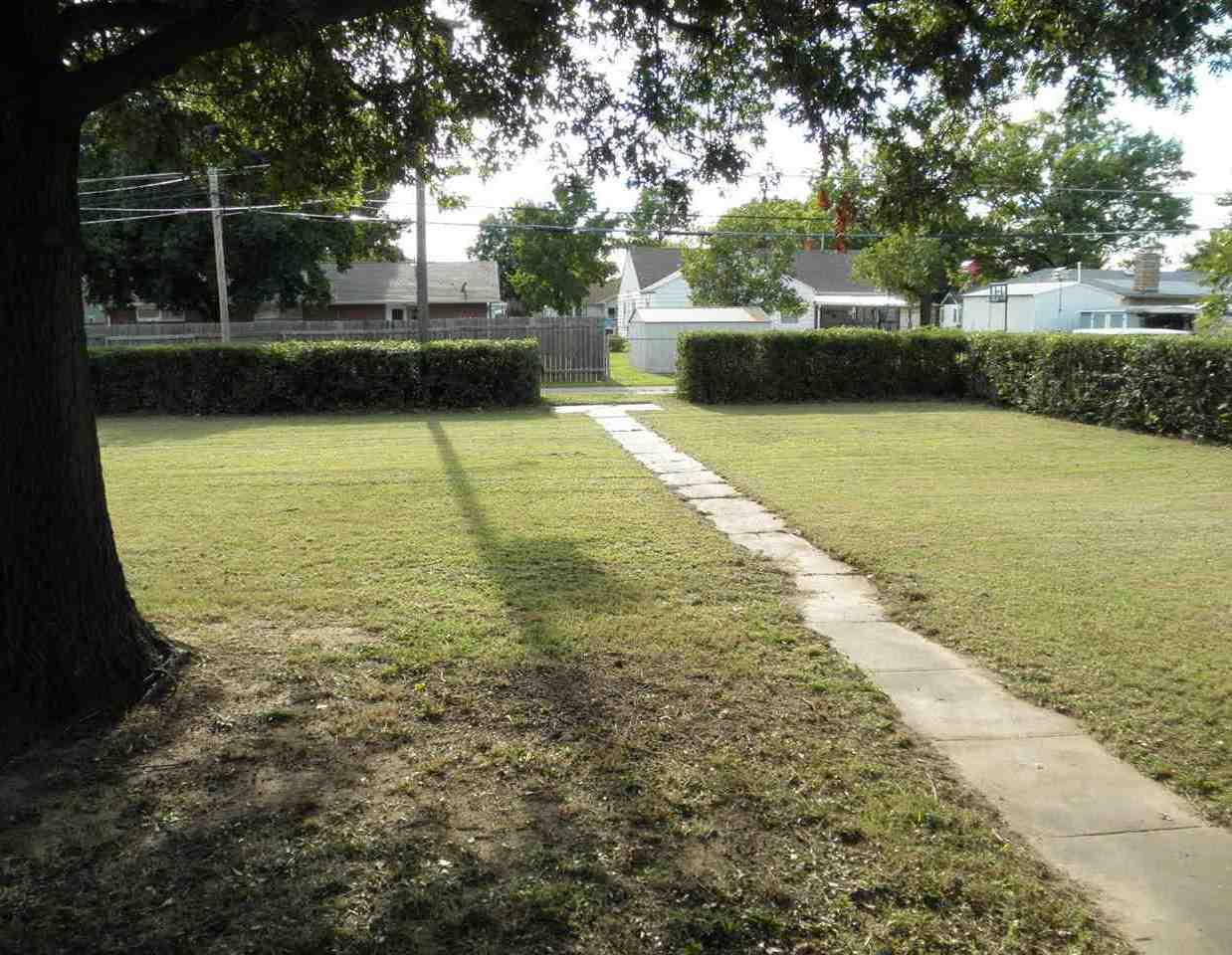 Sold Cross Sale W/ MLS | 1227 S Main  Blackwell, OK 74631 26