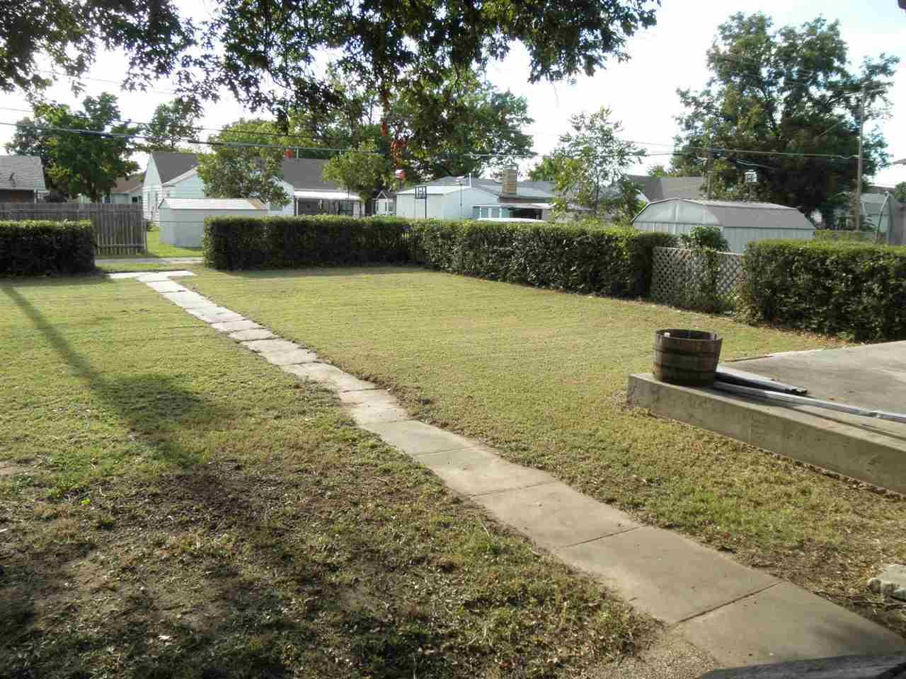 Sold Cross Sale W/ MLS | 1227 S Main  Blackwell, OK 74631 27