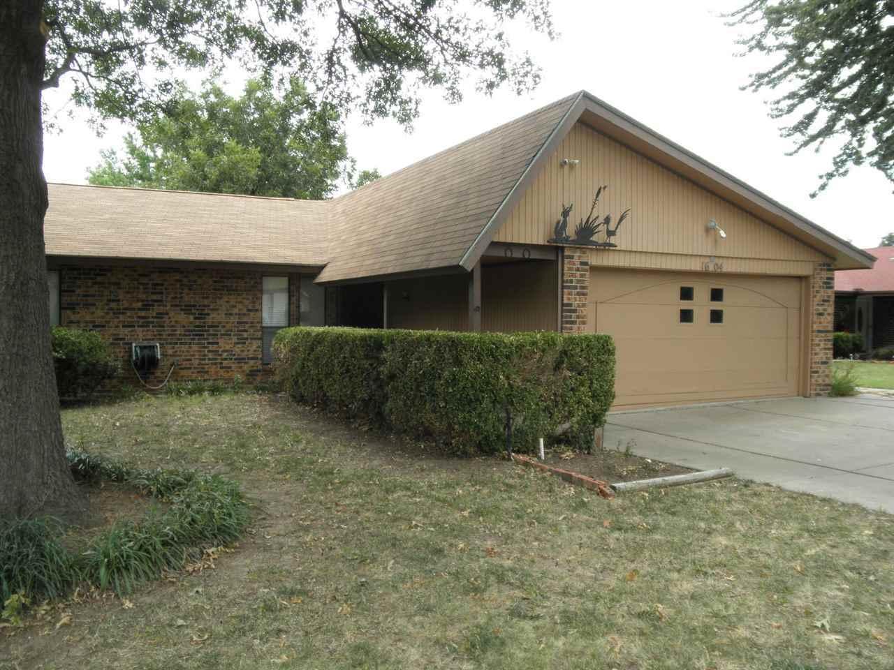 Sold Cross Sale W/ MLS | 1604 E Prospect  Ponca City, OK 74604 1