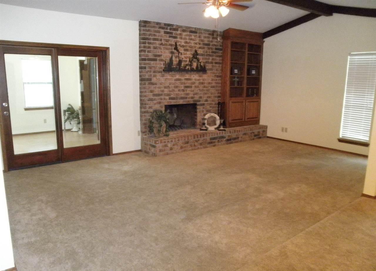 Sold Cross Sale W/ MLS | 1604 E Prospect  Ponca City, OK 74604 2