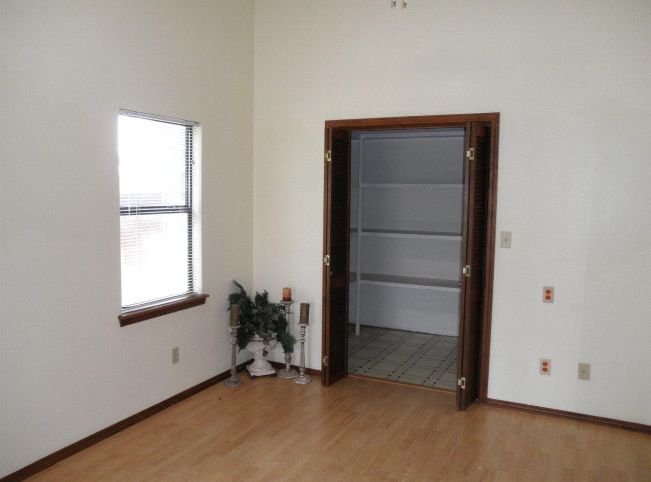 Sold Cross Sale W/ MLS | 1604 E Prospect  Ponca City, OK 74604 9