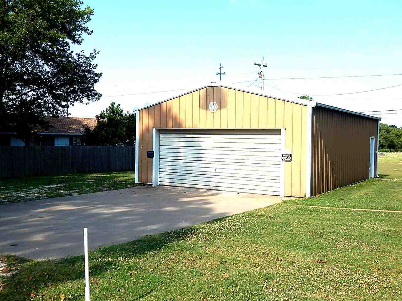 Sold Intraoffice W/MLS | 633 S 7th Fairfax, OK 74637 21