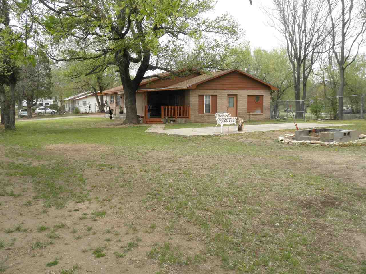 Sold By Non Board Member | 82 City View  Ponca Ciy, OK 74604 32