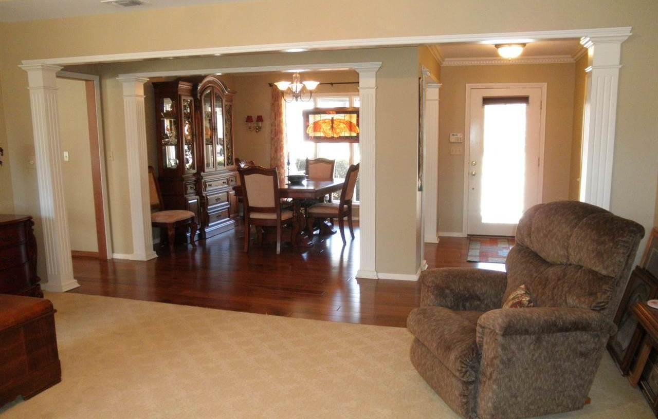 Sold Cross Sale W/ MLS | 15 Sherman Lane Ponca City, OK 74604 3