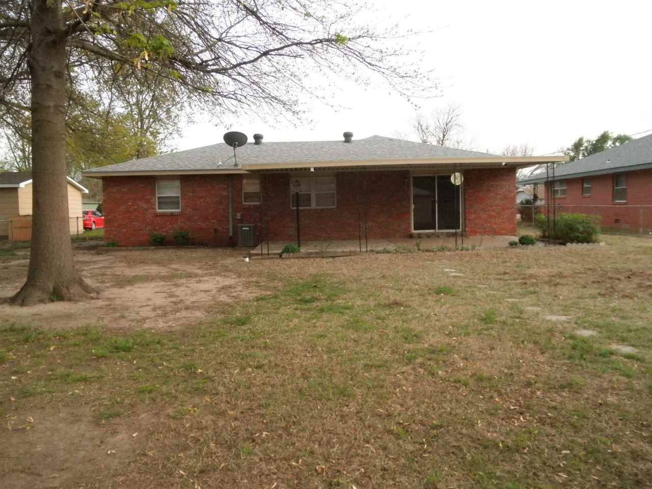 Sold Cross Sale W/ MLS | 1505 Donald  Ponca City, OK 74604 15