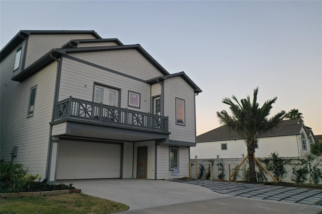 Active | 2182 Marina Way League City, TX 77565 1