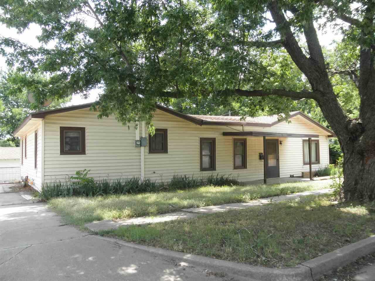 Sold Cross Sale W/ MLS | 916 E Cherry Ponca City, OK 74601 0