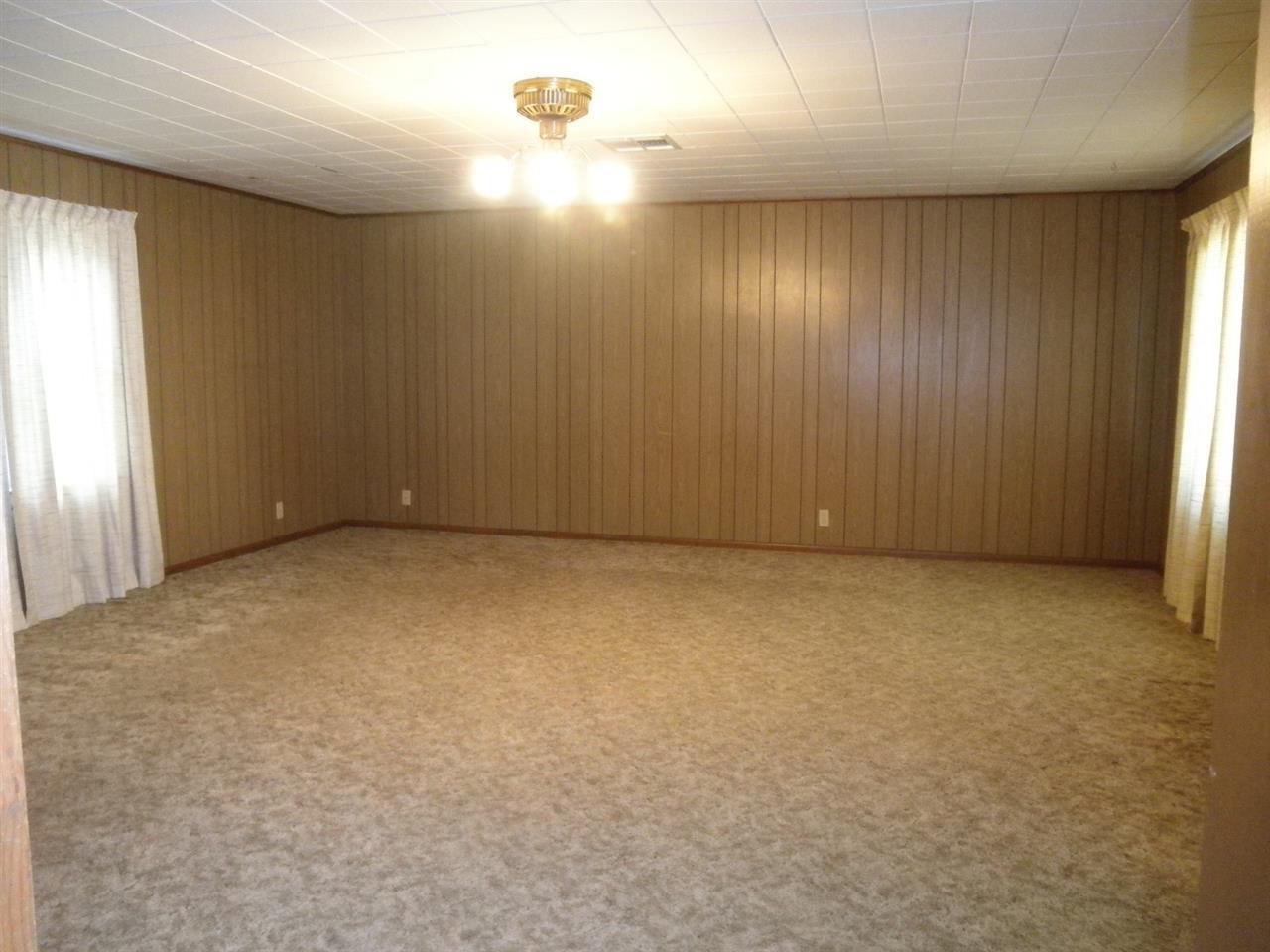 Sold Cross Sale W/ MLS | 916 E Cherry Ponca City, OK 74601 3
