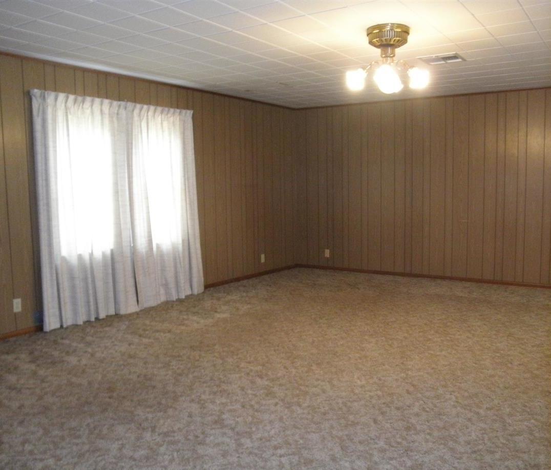 Sold Cross Sale W/ MLS | 916 E Cherry Ponca City, OK 74601 4