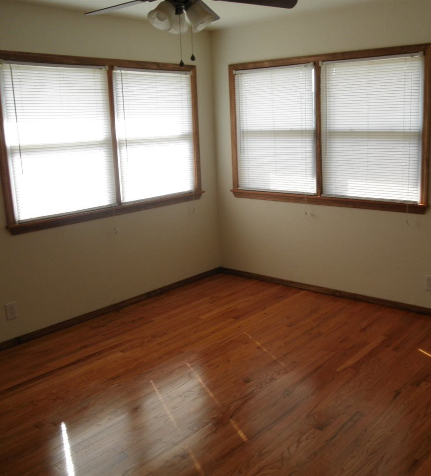 Sold Cross Sale W/ MLS   204 N 13th  Ponca City, OK 74601 10