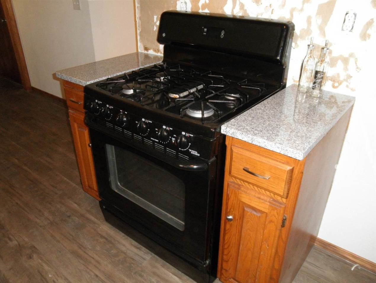 Sold Cross Sale W/ MLS   204 N 13th  Ponca City, OK 74601 13