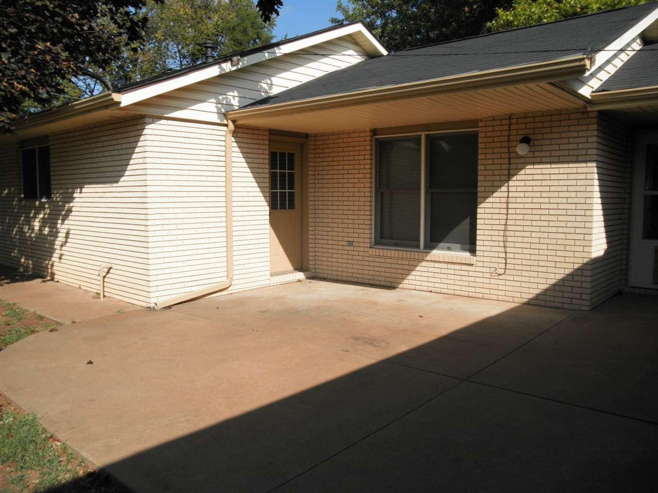 Sold Cross Sale W/ MLS   204 N 13th  Ponca City, OK 74601 26