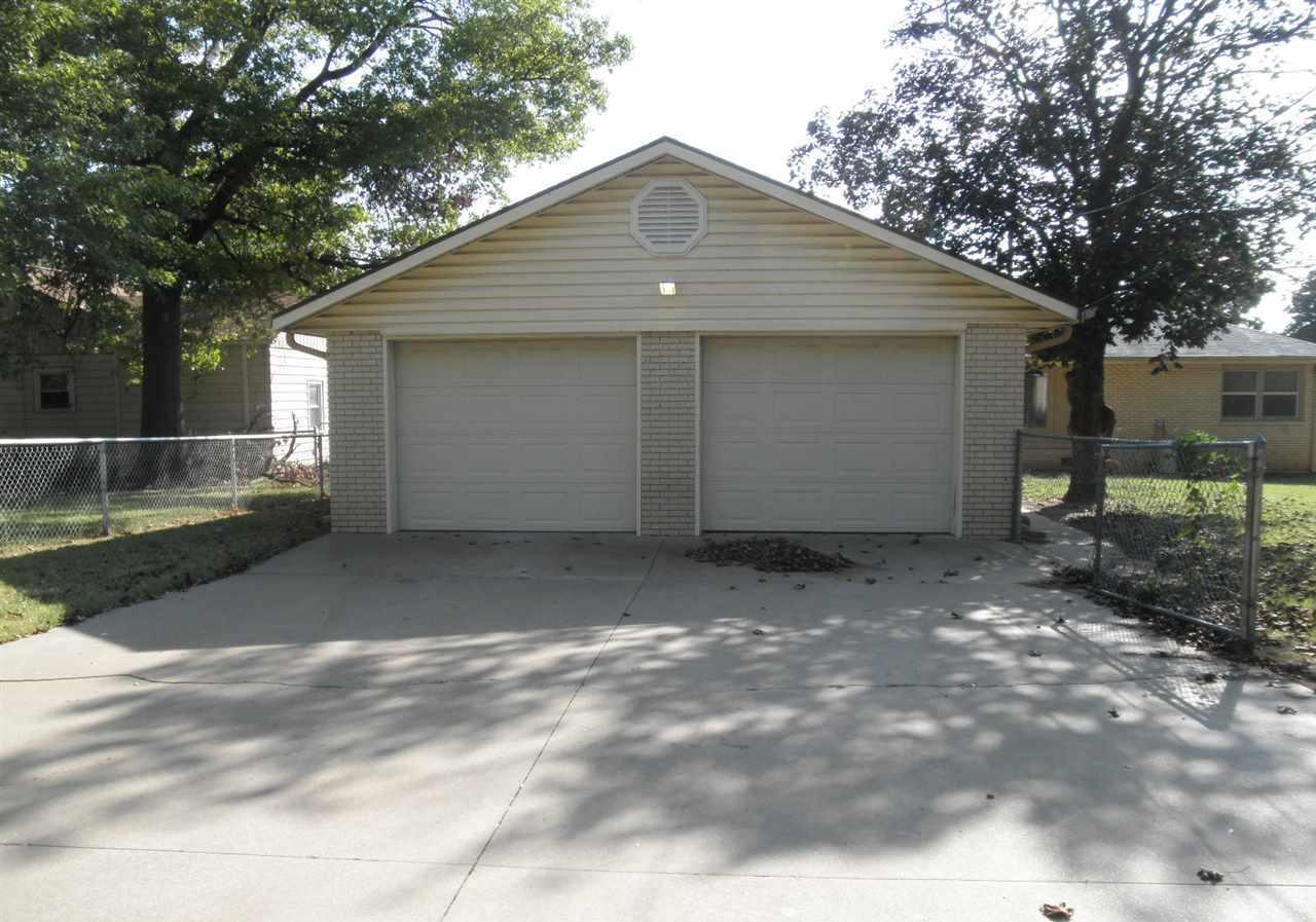 Sold Cross Sale W/ MLS   204 N 13th  Ponca City, OK 74601 28