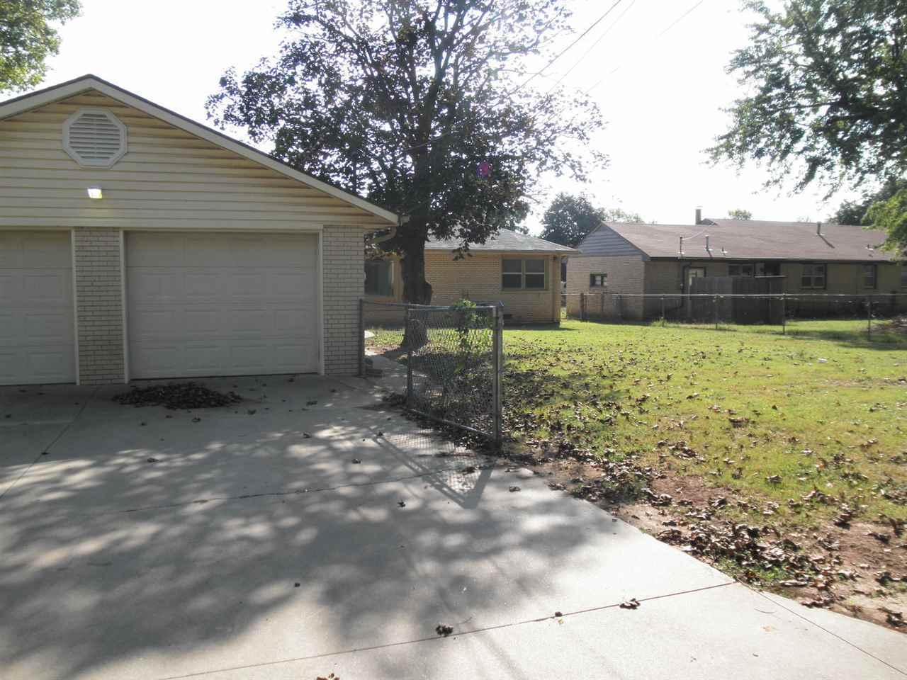 Sold Cross Sale W/ MLS   204 N 13th  Ponca City, OK 74601 29