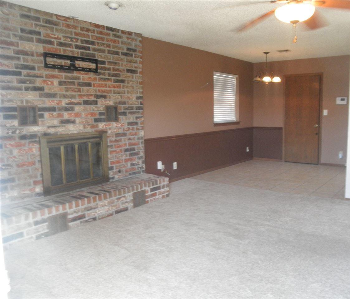Sold Cross Sale W/ MLS | 300 Lora Ponca City, OK 74601 2