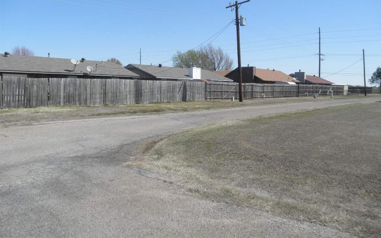 Sold Cross Sale W/ MLS | 300 Lora Ponca City, OK 74601 25