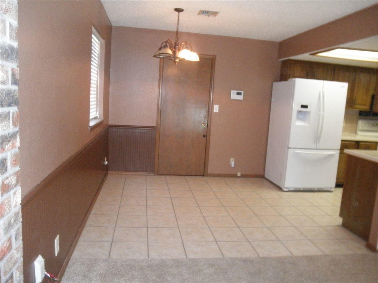 Sold Cross Sale W/ MLS | 300 Lora Ponca City, OK 74601 8