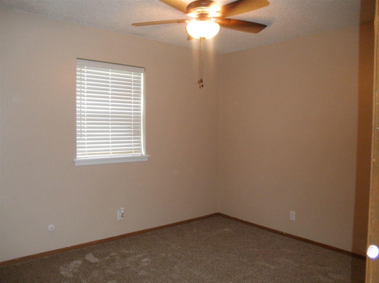 Sold Cross Sale W/ MLS | 300 Lora Ponca City, OK 74601 9