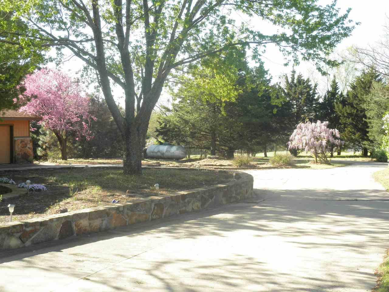 #century21groupone, #homesforsaleponcacity, #poncacityrealestate | 5317 Hunt Road Ponca City, OK 74604 2