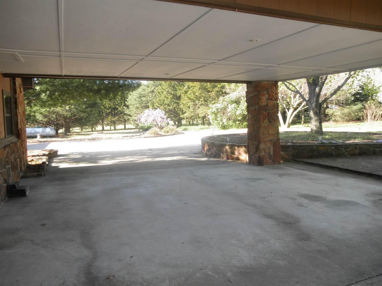 #century21groupone, #homesforsaleponcacity, #poncacityrealestate | 5317 Hunt Road Ponca City, OK 74604 36