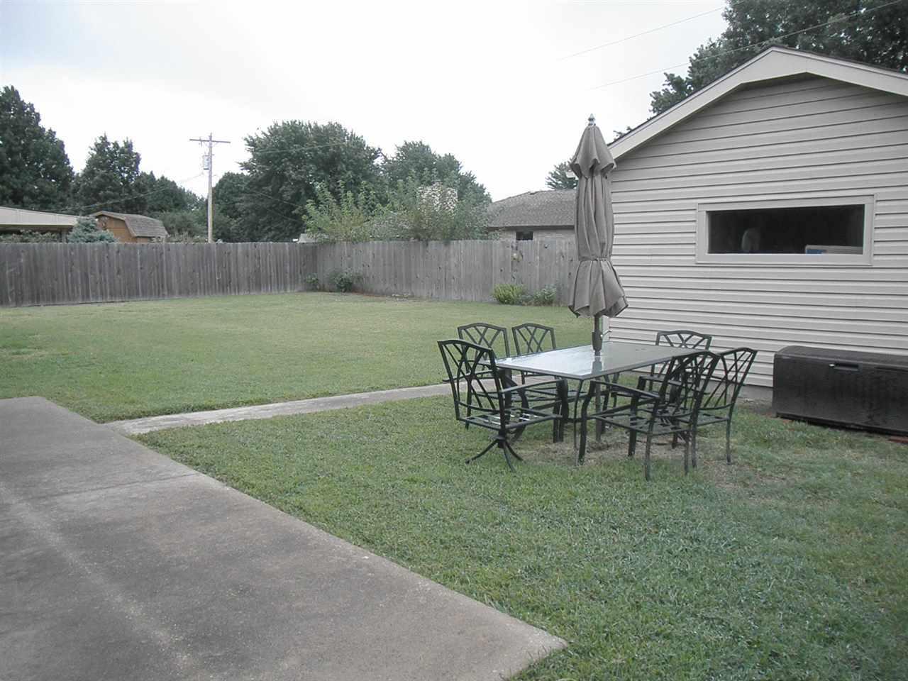Sold Intraoffice W/MLS | 400 Lonnie Ponca City, OK 74601 24