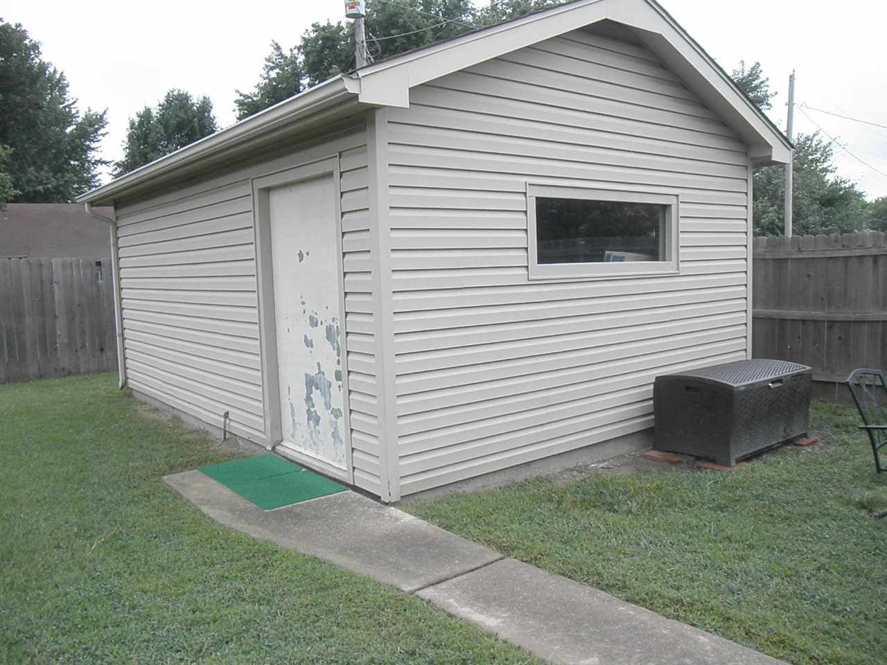 Sold Intraoffice W/MLS | 400 Lonnie Ponca City, OK 74601 25
