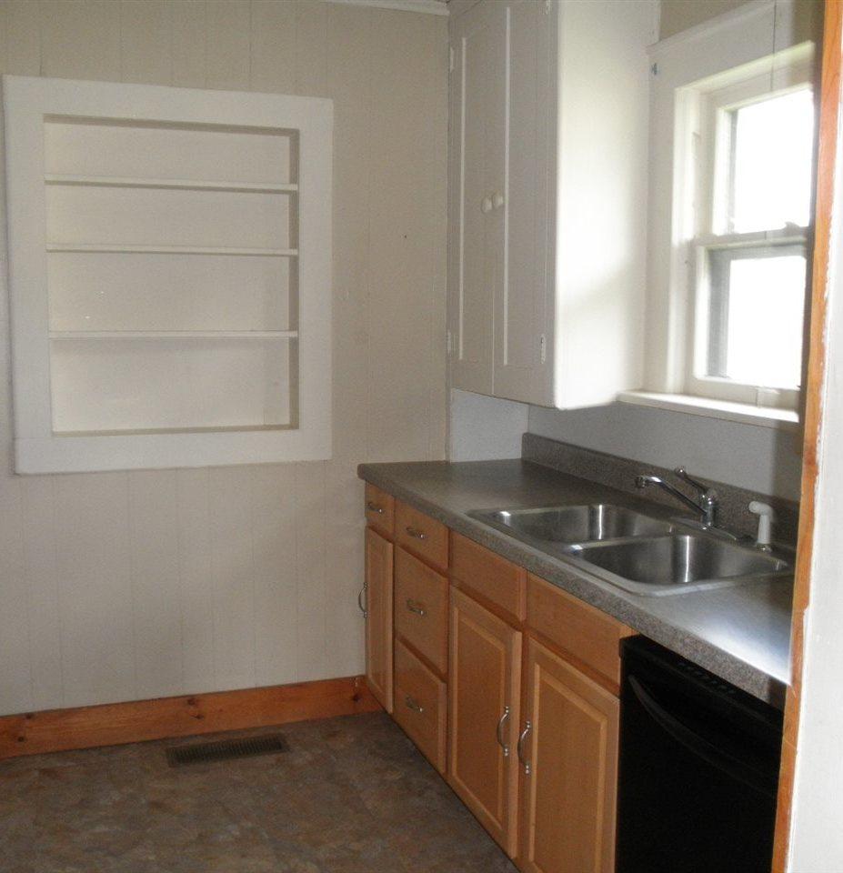 Sold Cross Sale W/ MLS | 1316 S 9th  Ponca City, OK 74601 9