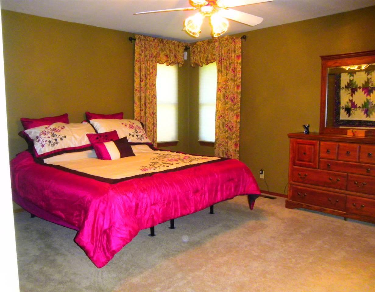Sold Cross Sale W/ MLS | 32 Raintree Ponca City, OK 74604 15