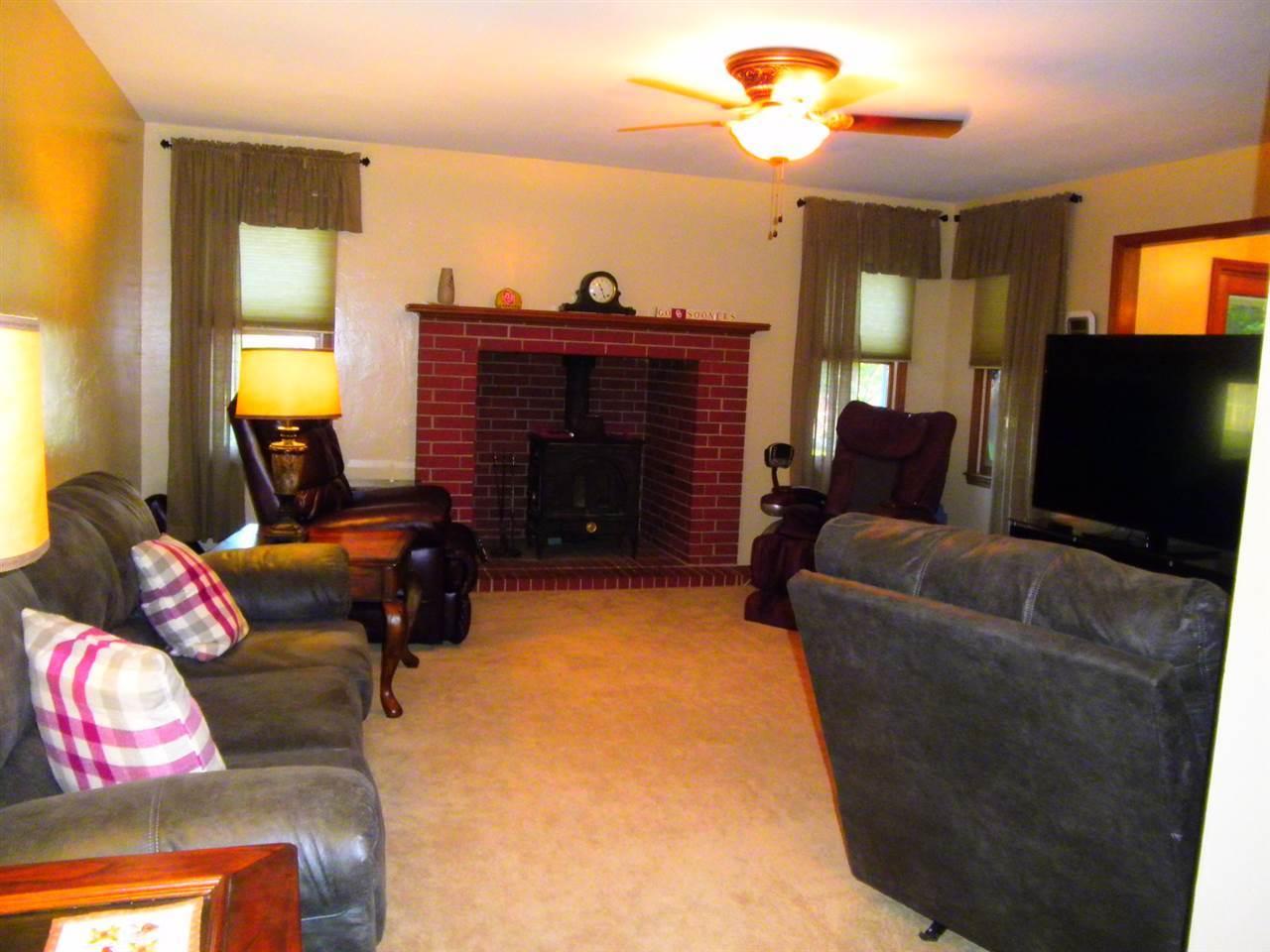 Sold Cross Sale W/ MLS | 32 Raintree Ponca City, OK 74604 2