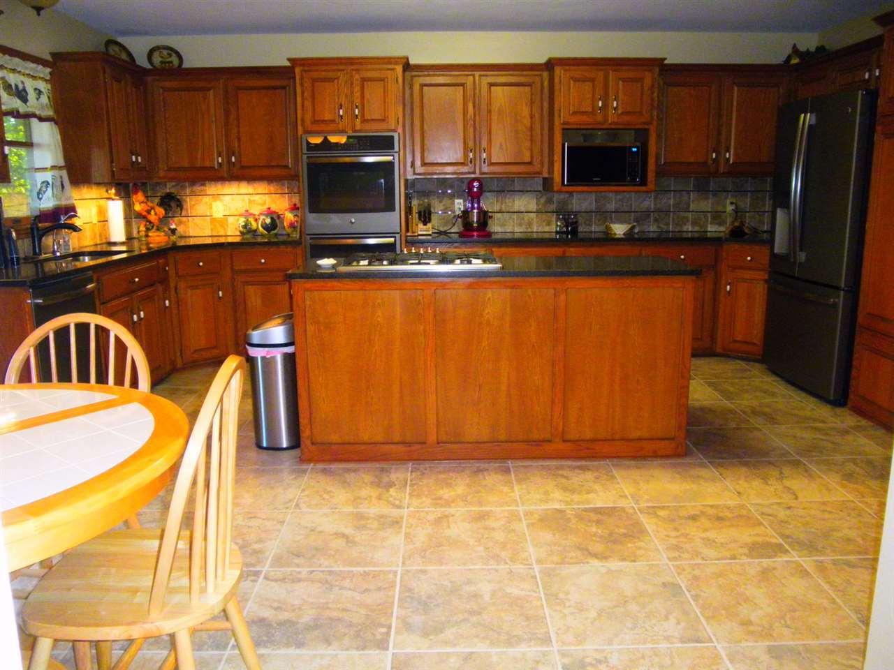 Sold Cross Sale W/ MLS | 32 Raintree Ponca City, OK 74604 9