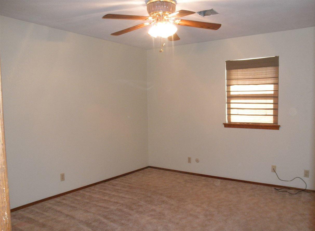 Sold Cross Sale W/ MLS | 310 Lora  Ponca City, OK 74604 8