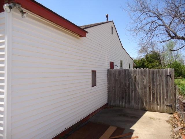 Sold Cross Sale W/ MLS | 2104 Jane Ponca City, OK 74601 4