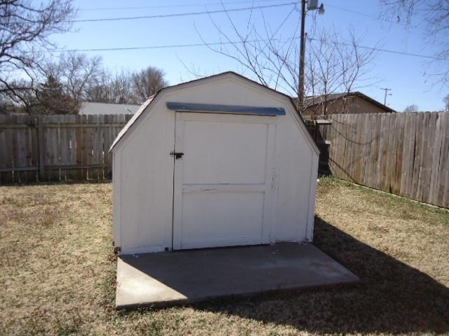 Sold Cross Sale W/ MLS | 1500 E Oklahoma  Ponca City, OK 74604 24