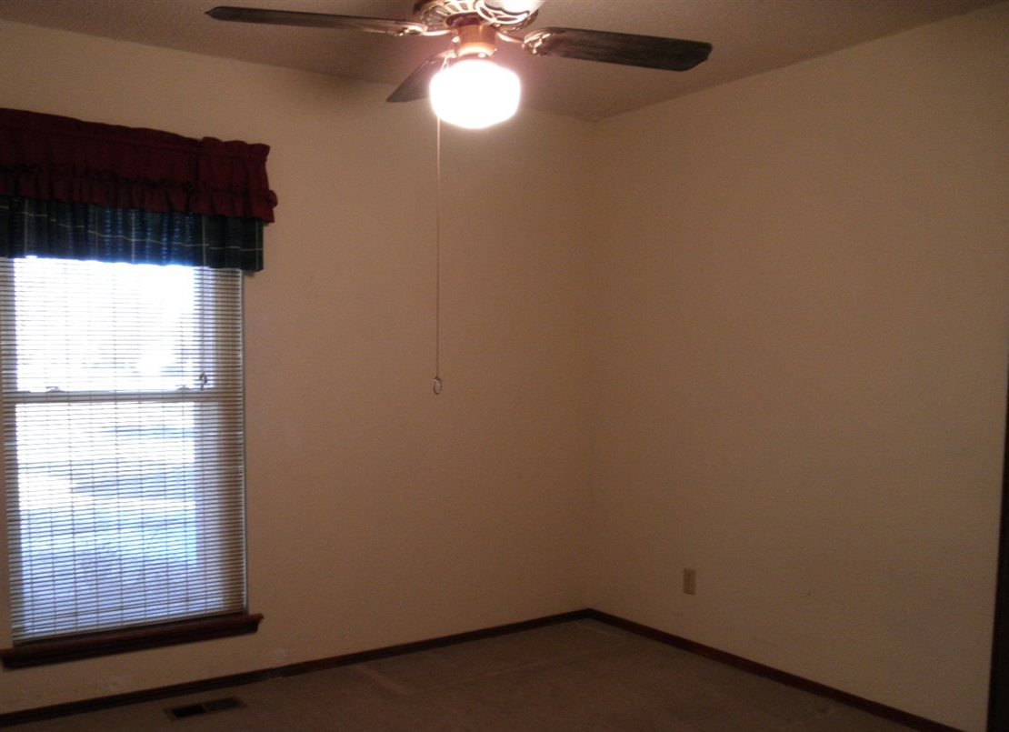 Sold Cross Sale W/ MLS | 2516 Oriole  Ponca City, OK 74601 14