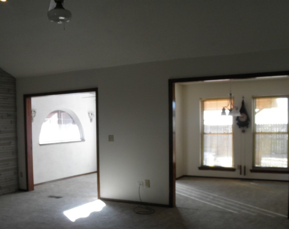 Sold Cross Sale W/ MLS | 2516 Oriole  Ponca City, OK 74601 5