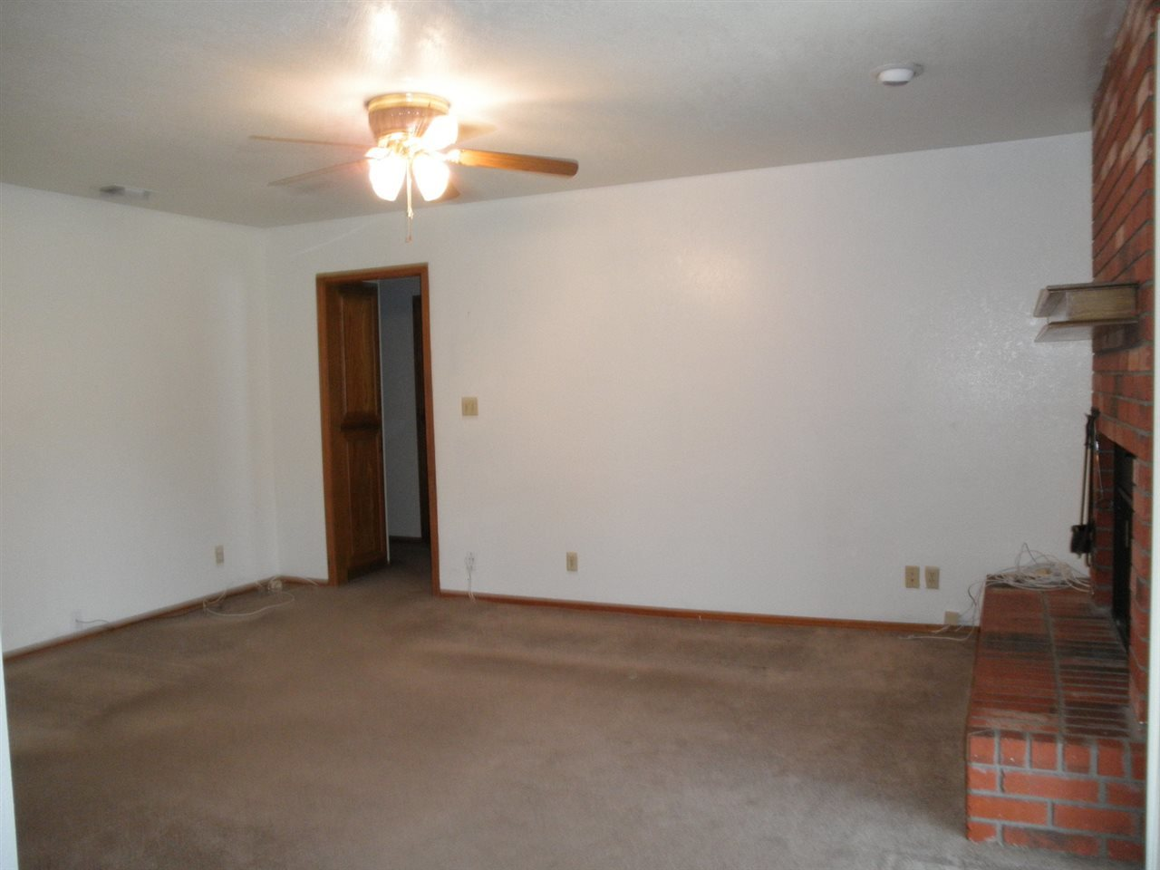 Sold Cross Sale W/ MLS | 124 Woodbury  Ponca City, OK 74601 2