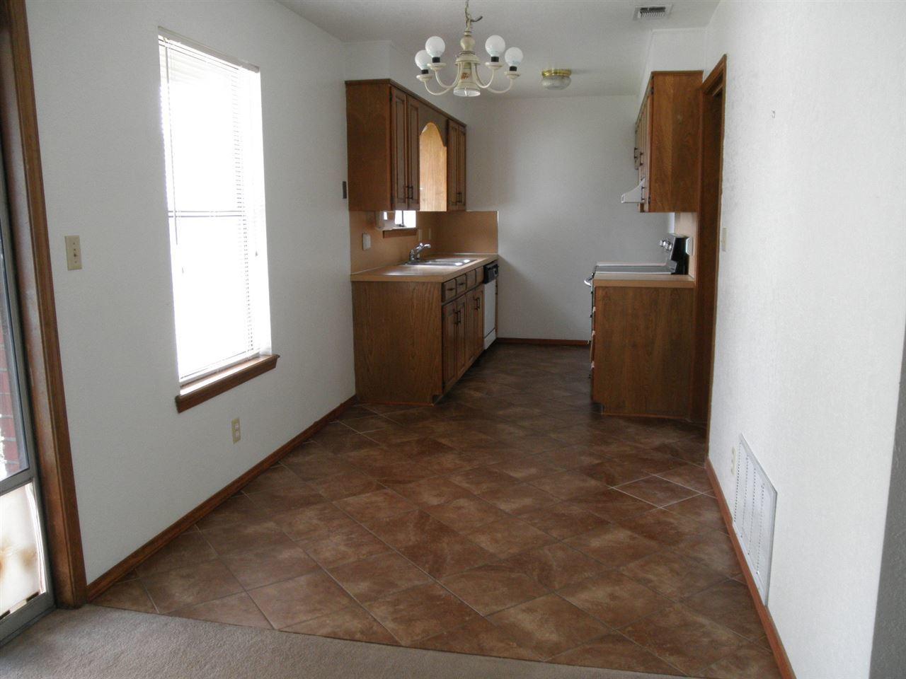 Sold Cross Sale W/ MLS | 124 Woodbury  Ponca City, OK 74601 5