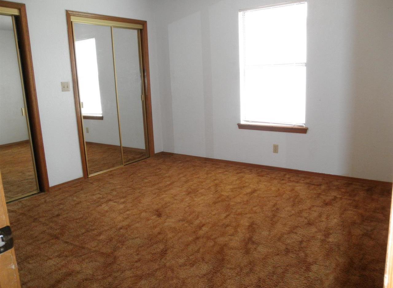 Sold Cross Sale W/ MLS | 124 Woodbury Ponca City, OK 74601 8