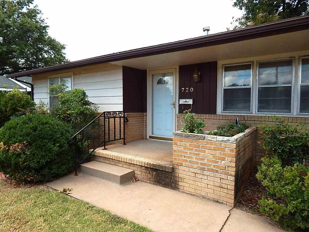 Sold Cross Sale W/ MLS | 720 N 14th Ponca City, OK 74601 1
