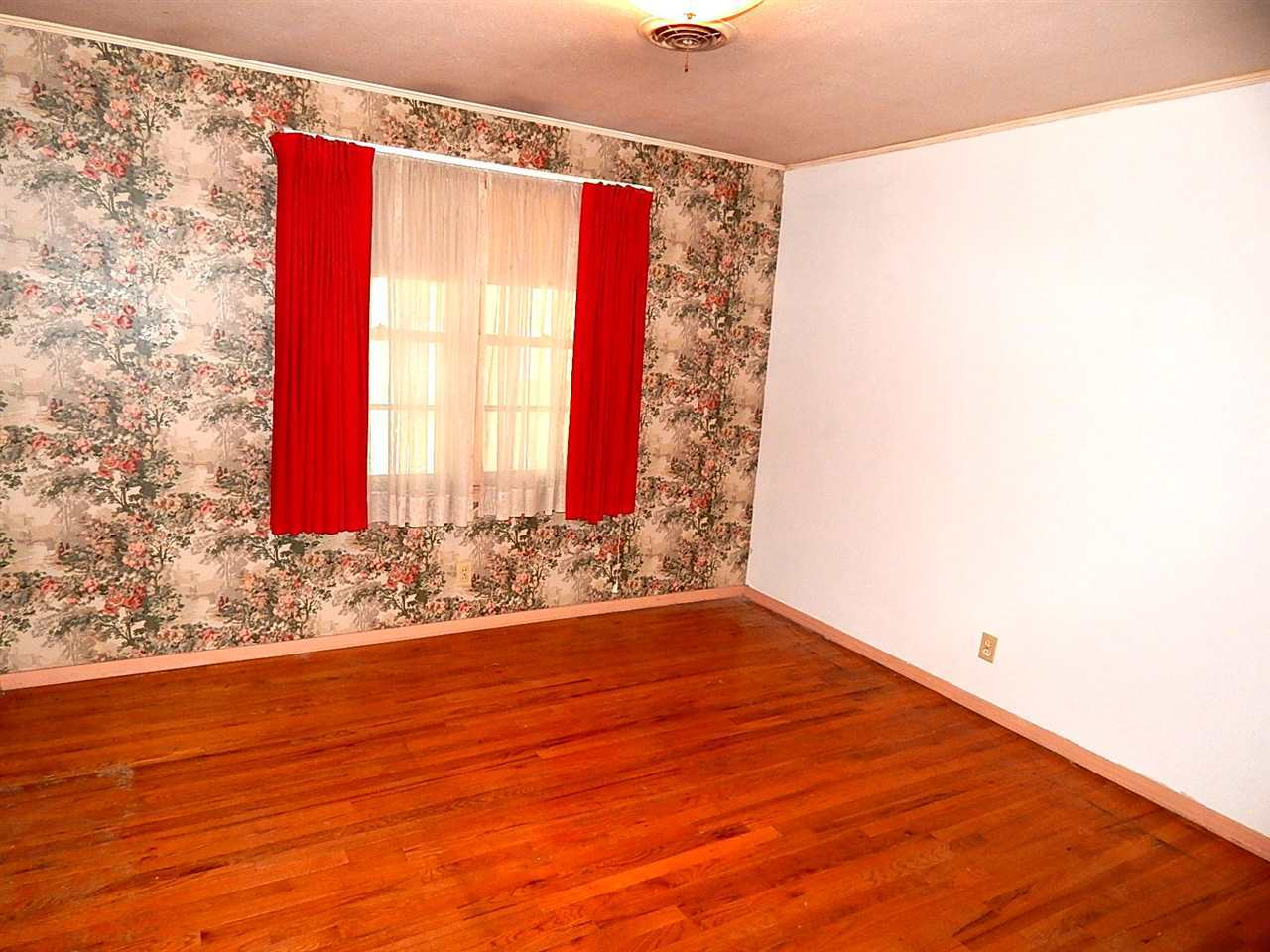 Sold Cross Sale W/ MLS | 720 N 14th Ponca City, OK 74601 10