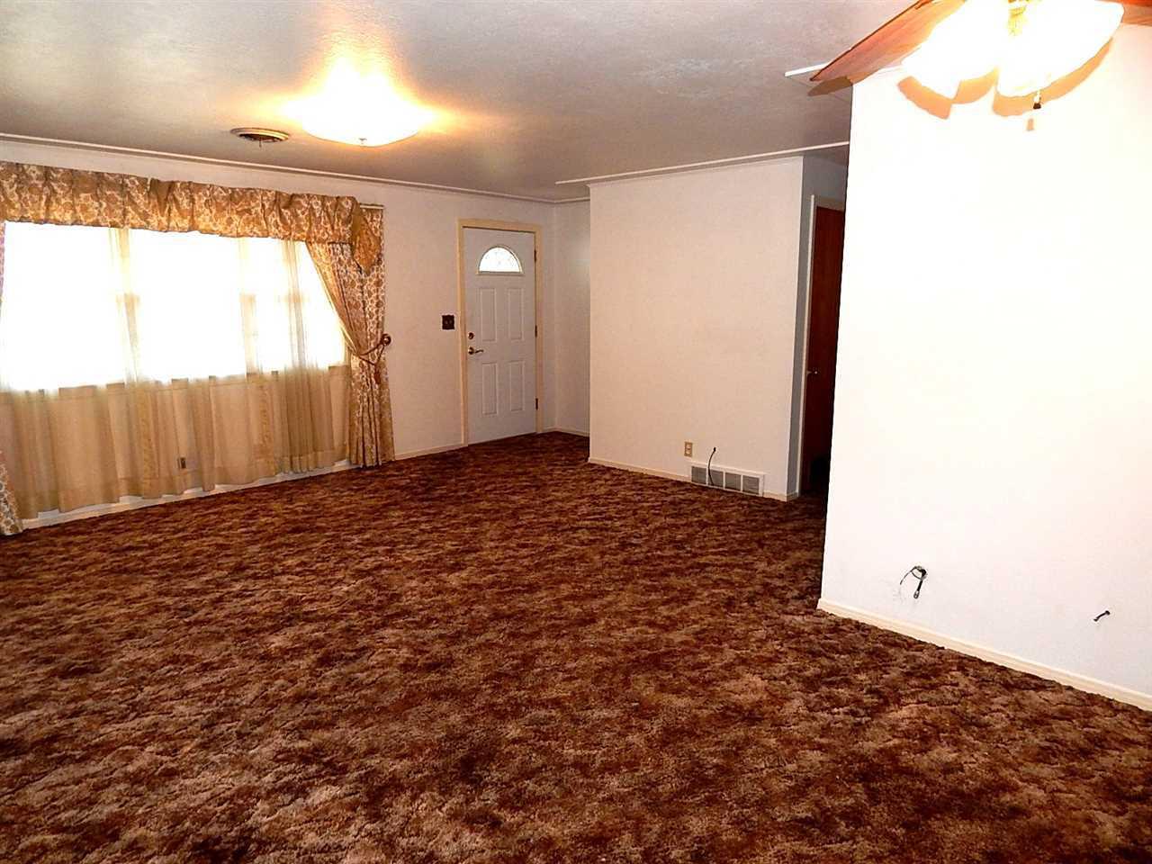 Sold Cross Sale W/ MLS | 720 N 14th Ponca City, OK 74601 4