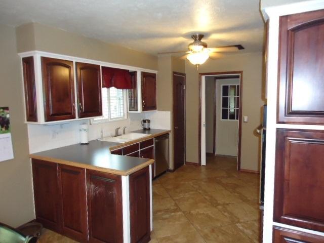 Sold Cross Sale W/ MLS | 3601 Larkspur Dr Ponca City, OK 74604 5