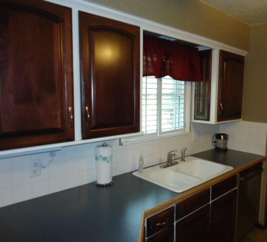 Sold Cross Sale W/ MLS | 3601 Larkspur Dr Ponca City, OK 74604 8
