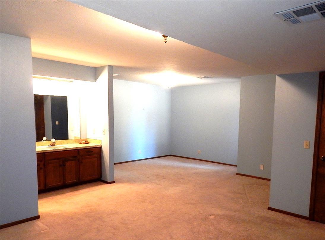 Sold Cross Sale W/ MLS | 2312 Calvert Ponca City, OK 74601 18